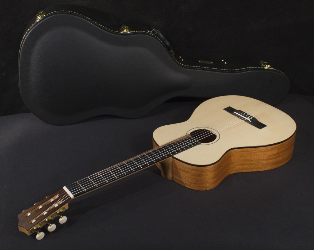 """Feriante"" Signature Classical Guitar Tonedevil Harp Guitars Official Website image 15"